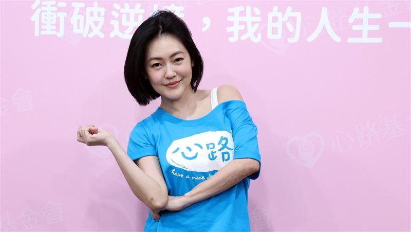 小粉红出征汪小菲微博「你小姨子喊出事了」:快跟台独离婚