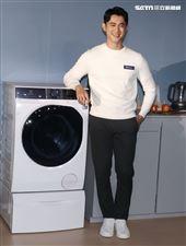 日前身體微恙的吳慷仁康復後出席伊萊克斯洗衣機發表會。(記者邱榮吉/攝影)
