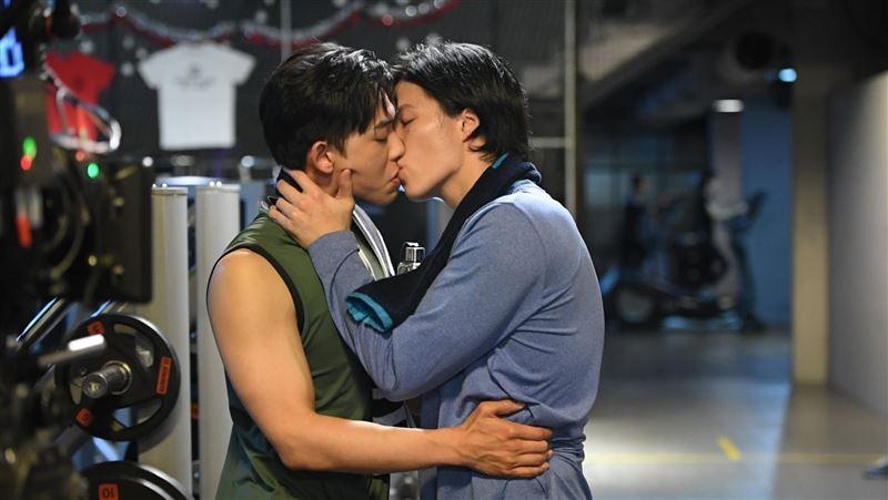 揪男友激吻!林瑞陽愛子林禹在健身房壞壞 現場目擊姨母笑