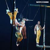 美國大馬戲團(Le Grand Cirque)表演空中飛人。(記者邱榮吉/攝影)