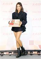 A-Lin透露自己因為月經,體重忽胖忽瘦。(記者邱榮吉/攝影)