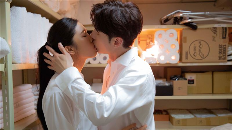 陳勢安「戀情」曝光 與女星激吻被攝