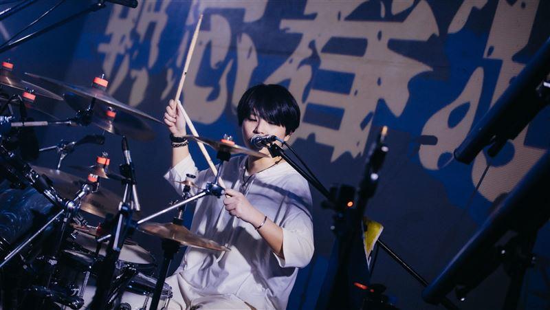 樂團鼓手患關節炎 直喊痛到無法忍受