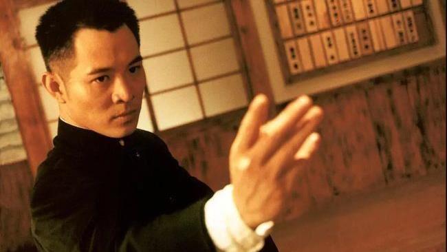 李連杰被年輕演員晾5小時…霸氣回嗆