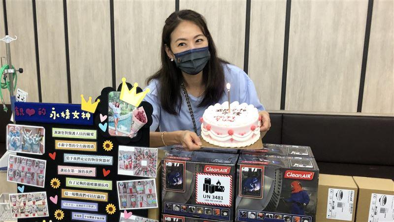 賈永婕奔波捐醫材 獲贈蛋糕提前慶生