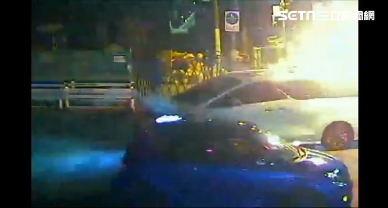 北市火鍋老闆被砸 街頭廝殺放信號彈