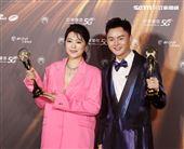 許富凱、曹雅雯獲得金曲32台語男女歌手獎。(記者/邱榮吉/攝影)