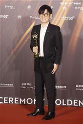 陳建騏獲得金曲32最佳專輯製作人獎。(記者/邱榮吉/攝影)