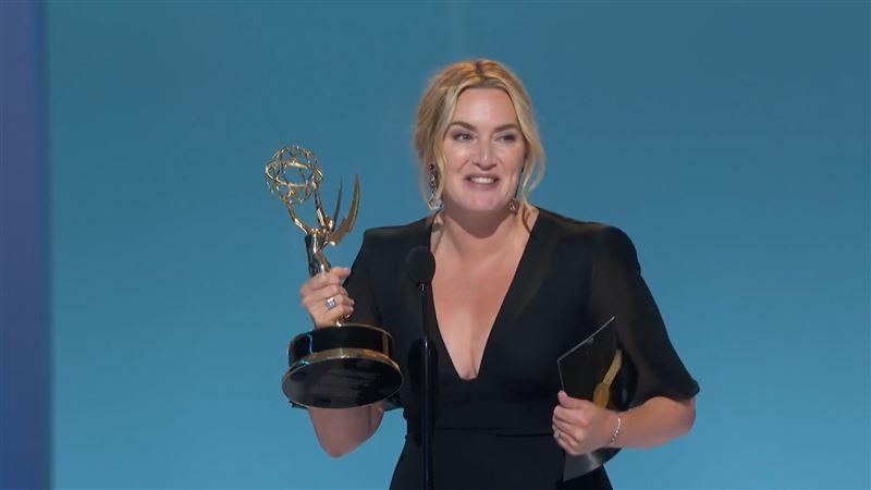艾美獎 《東城》凱特嗨翻:我贏了!