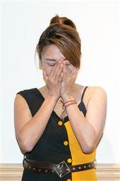 AMY被家暴後首露臉錄影。(圖/記者楊澍攝影)
