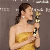 百白奪得台北電影獎女配角。(記者邱榮吉/攝影)