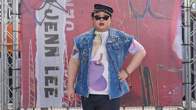 驚人穿搭走時裝秀 網紅曝「微賤感」